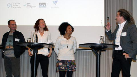 Talare på konferensen om mikroplast.
